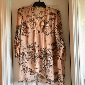 Beautiful floral high low tunic blouse 💐!!